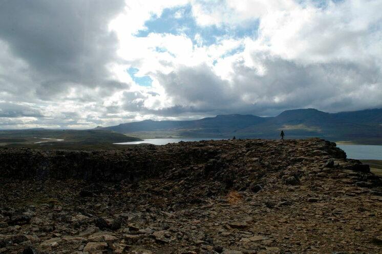 Ebenfalls auf der Halbinsel zu sehen - die Festungsanlage Borgarvirki.