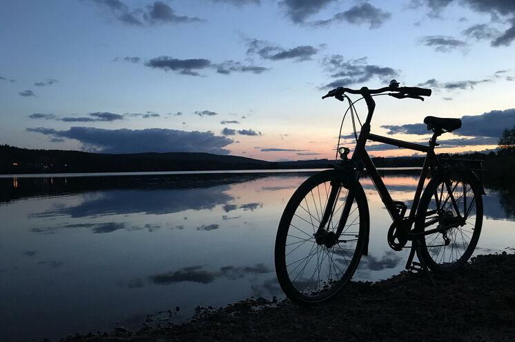 Start- und Endpunkte des Trekkings steuern Sie per Fahrrad an