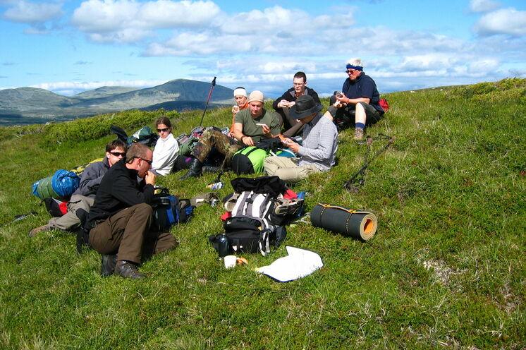 Das Schönste am Wandern ist das gemeinsame Picknick, hier mit schöner Aussicht