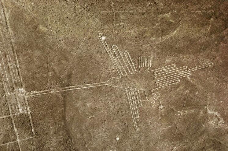 Mysterium Nazcalinien - vom Boden aus oder per Flugzeug (optional) erleben.