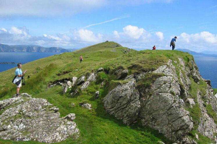 Achill Island bietet seinen Besuchern einen spektakulären Mix aus Meer, Bergen und Moor