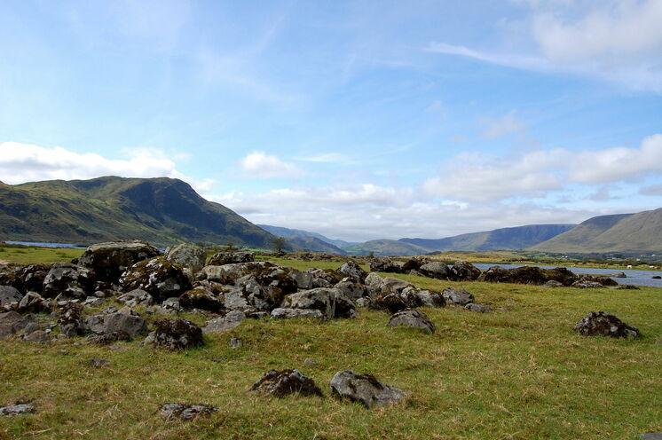 Das ist Irland pur: unterwegs in wildromantischen, zerklüfteten Landschaften