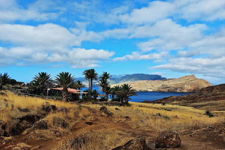 Auf Madeira gibt es 6 verschiedene Klimazonen. Hier auf der Halbinsel Ponta de São Lourenço herrscht Wüstenklima welches Sie an ihrem freien Tag selbst entdecken können.