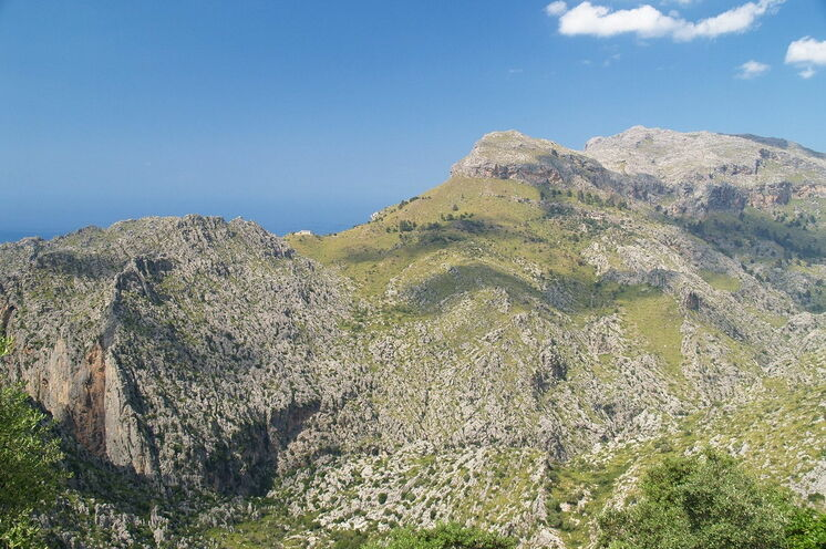 Blick über die Gebirgszüge der Serra de Tramuntana