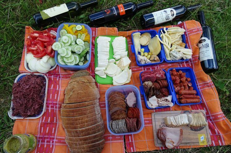 Picknick im Grünen - es fehlt an nichts
