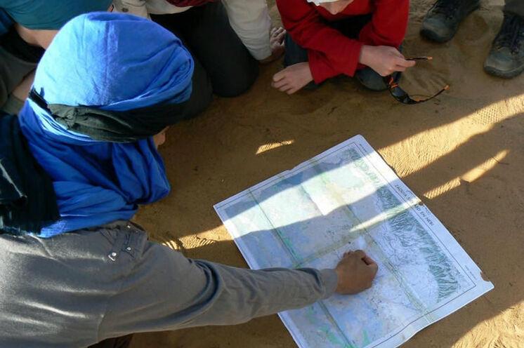 Lagebesprechung mit Guide Abdellah