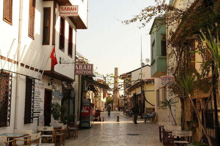 Die Altstadt von Antalya lädt immer zu einem Spaziergang ein