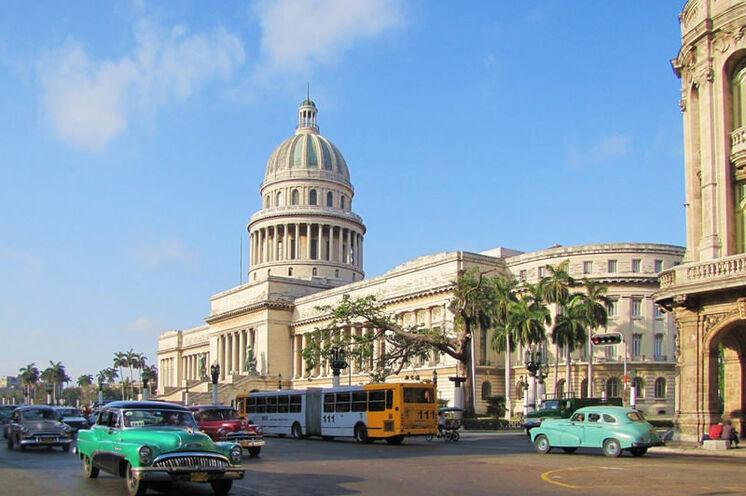 Der perfekte Einstieg einer Kuba Reise - die Haupstadt Havanna mit ihrem Capitolio.