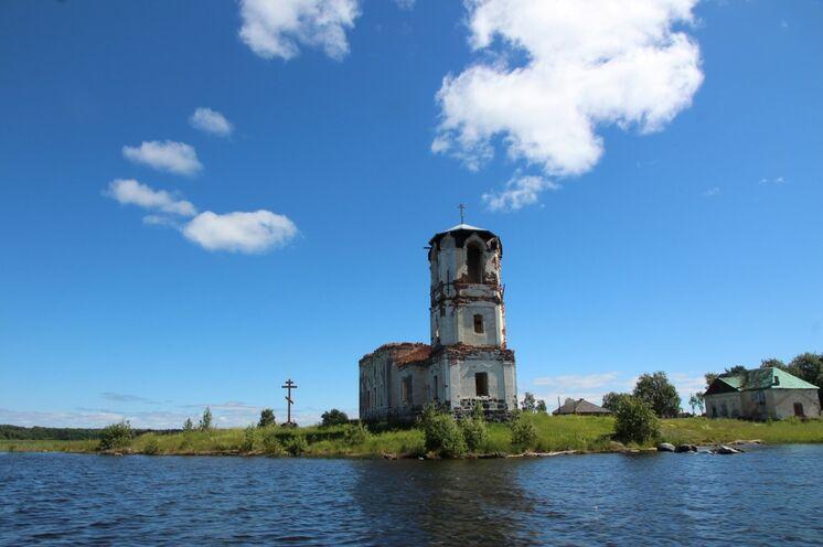 """Entdeckungen auf und um die """"Mischas"""" Insel"""