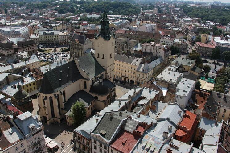 Die verwinkelte Altstadt von Lemberg - vieles ist neu ... einfach sehenswert