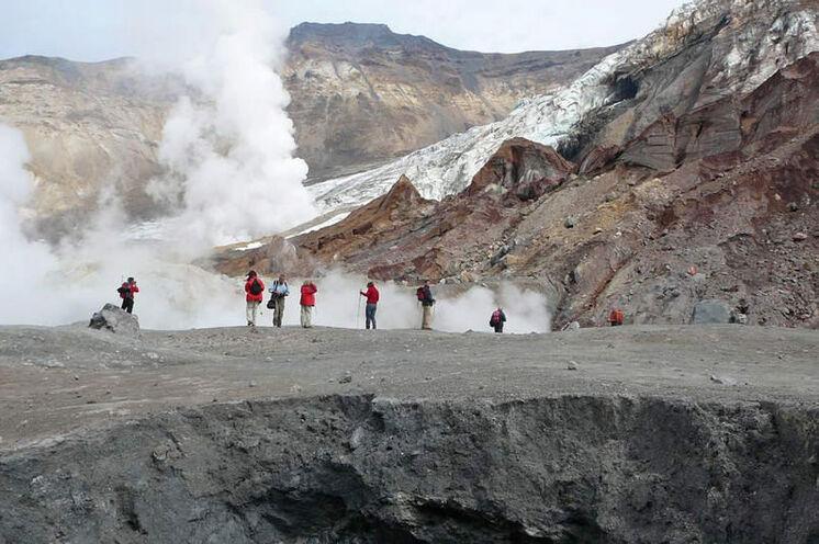 Zum spektakulären Krater des Mutnovski (2323 m)