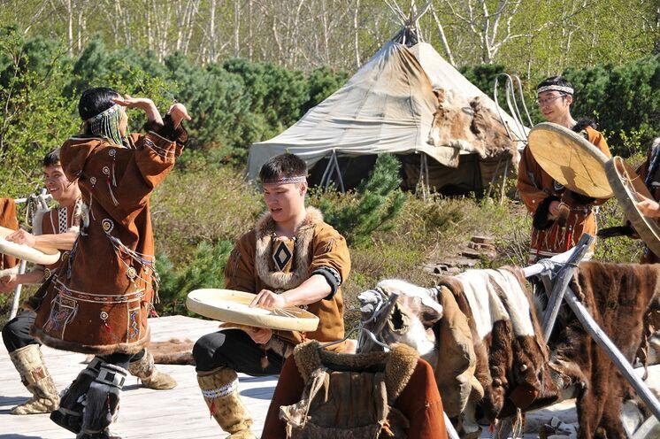 In Ässo werden die Traditionen der Ureinwohner Kamtschatkas, der Itelmenen, Korjaken und Ewenen bewahrt.