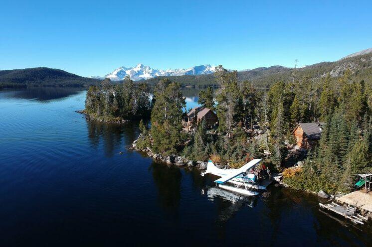 Per Buschflugzeug ins Wildniscamp am Whitton Lake