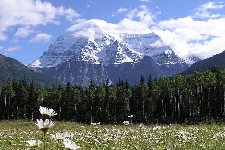 Eine Ihrer Wanderungen führt Sie zum Fuße des höchsten Berges der kanadischen Rockies – Mt. Robson (3954 m)