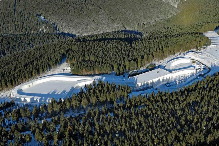 Die Skihalle Oberhof aus der Vogelperspektive