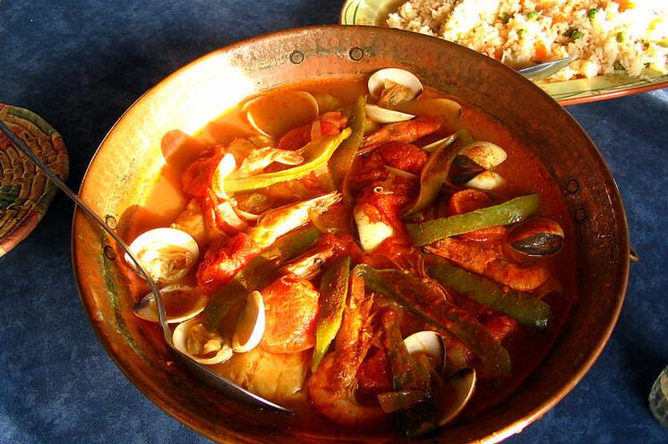 Cataplana - eine der zahlreichen Köstlichkeiten, die Sie bei Ihrer Azoren-Reise probieren sollten