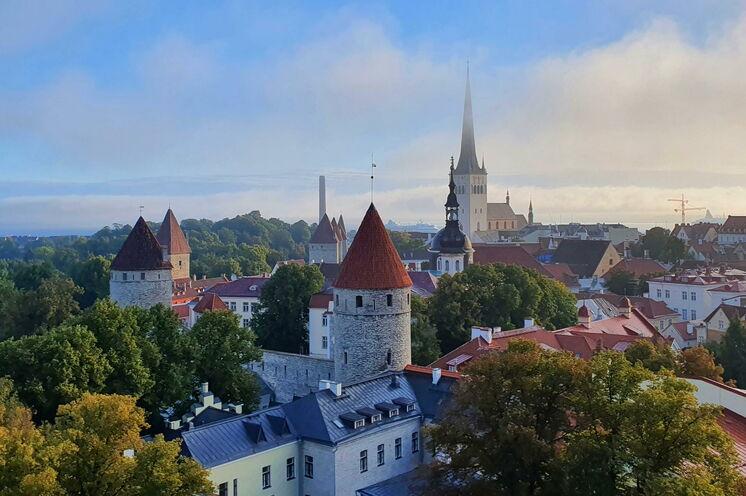 """Estlands Hauptstadt hat viel zu bieten und wird gern als die """"Stadt der Türme"""" bezeichnet."""