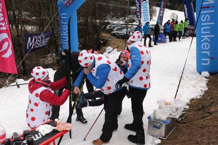 Unsere Empfehlung: Skiwachsen vor dem berühmt berüchtigten Schlussanstieg, der legendären ca. 3 km langen Cascata, wenn hier auch etwas unkonventionell ;-)
