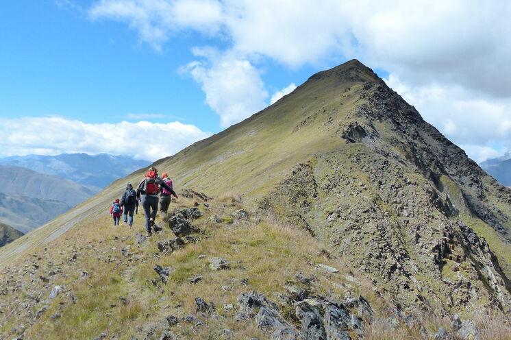 Fantastische Ausblicke auf der Wanderung zur Tetu-Spitze (3276m)