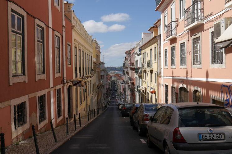 Schlendern Sie bergauf und bergab durch die engen Gassen der Altstadt.