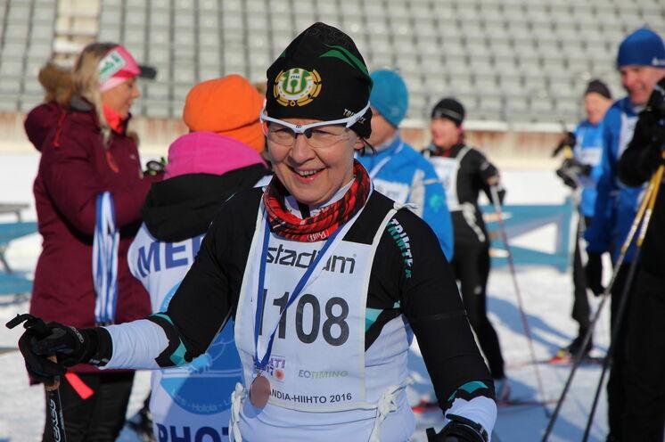 Im Ziel eine Medaille - und wer möchte kann danach in die Sauna. Typisch finnisch eben