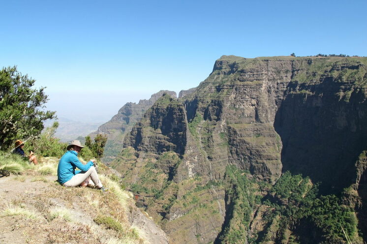 Tiefe Canyons und schroffe Felsen machen den Reiz der Semienberge aus.