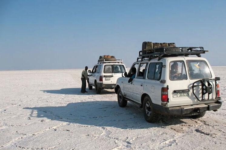 Im Geländewagen über den Salzsee