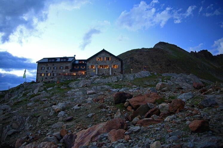 Die Braunschweiger Hütte ist die höchstgelegene Übernachtungs-Hütte während Ihrer Tour