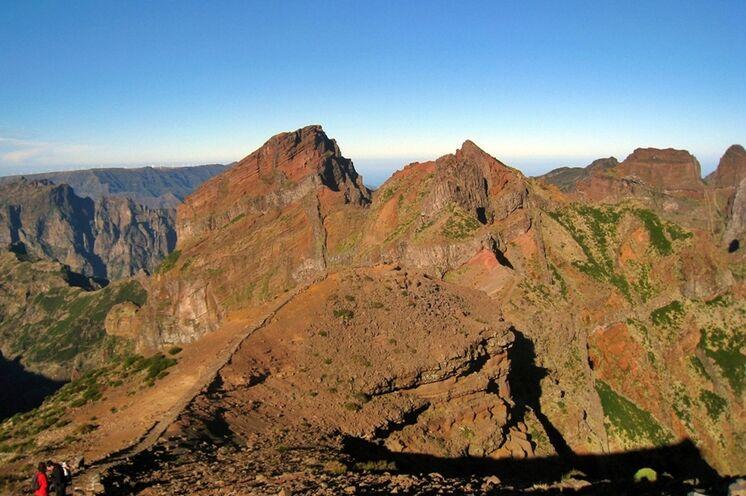 ...durch eine grandiose Bergwelt
