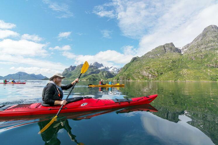 Eine besondere Erfahrung: Kajakfahren im Einer oder Zweier nördlich des Polarkreises