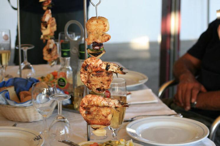 Frisch aus dem Meer und direkt auf den Spieß. Wenn Sie es wünschen ist fangfrischer Fisch auf den Azoren täglicher Bestandteil des Speiseplans.