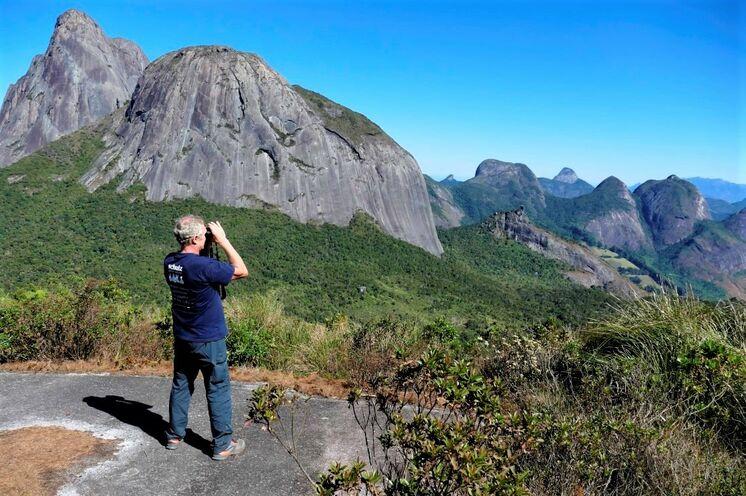 zu prächtigen Aussichtspunkten (Park Tres Picos).