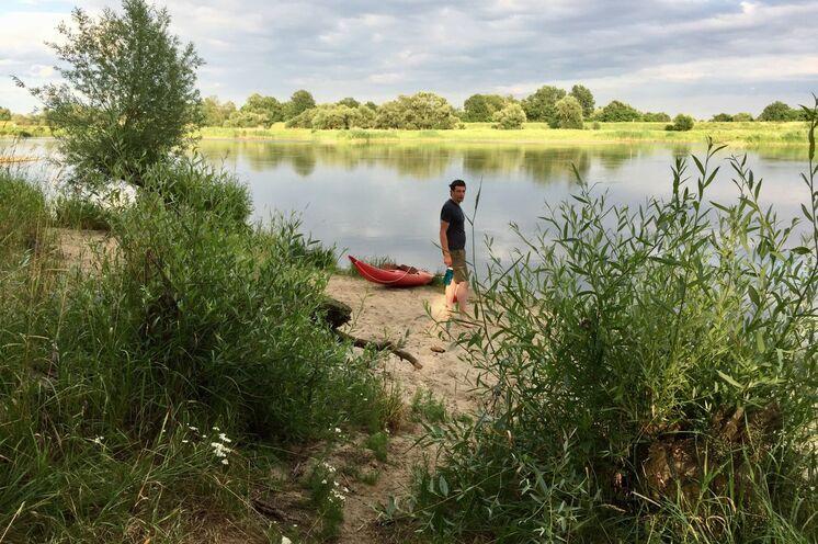 Natürliche Uferbereiche laden zur Erkundung ein