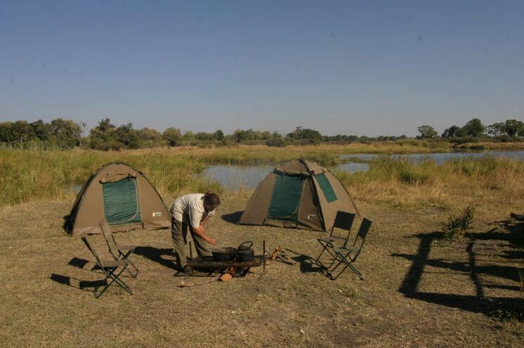 Das Camp wird mitten in der Wildnis aufgebaut - Abenteuer und Naturerlebnis pur!
