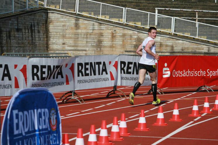 2010 wurde der (erste) Weltrekord im 10 km-Rückwärtslauf aufgestellt...