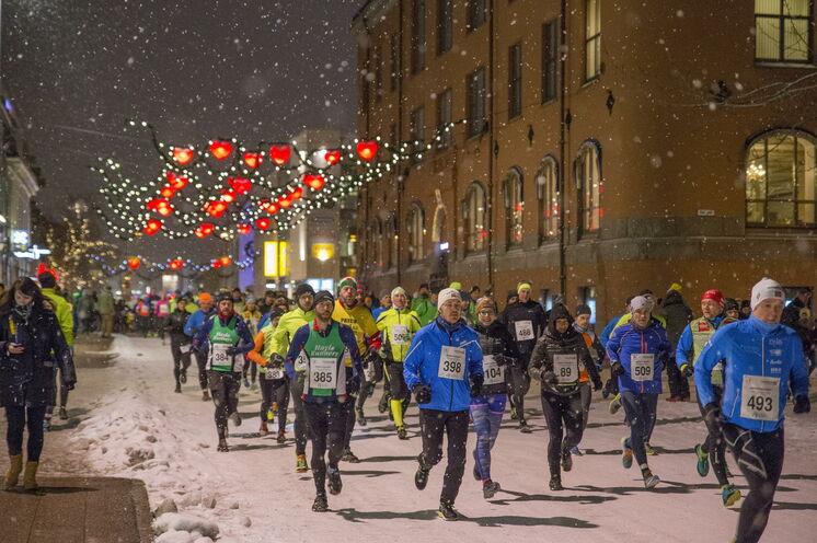 Faszination pur! Mit warmer Laufkleidung lässt sich die Strecke, welche auch auf Schnee und Eis verlaufen kann, genießen.
