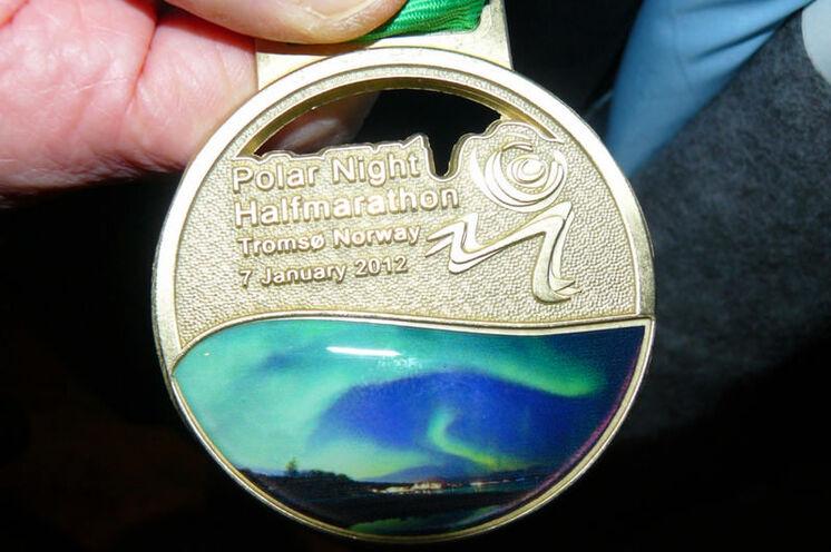 Die wunderschöne Medaille des Polar Night Marathons