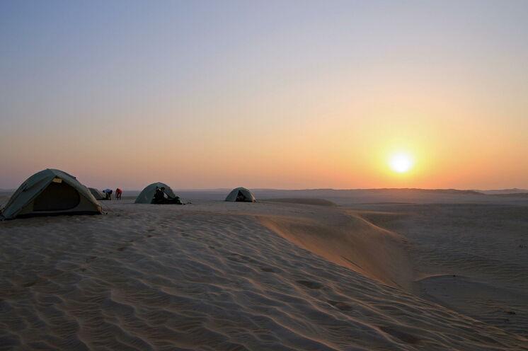 Erleben Sie traumhafte Sonnenuntergänge in der Wüste