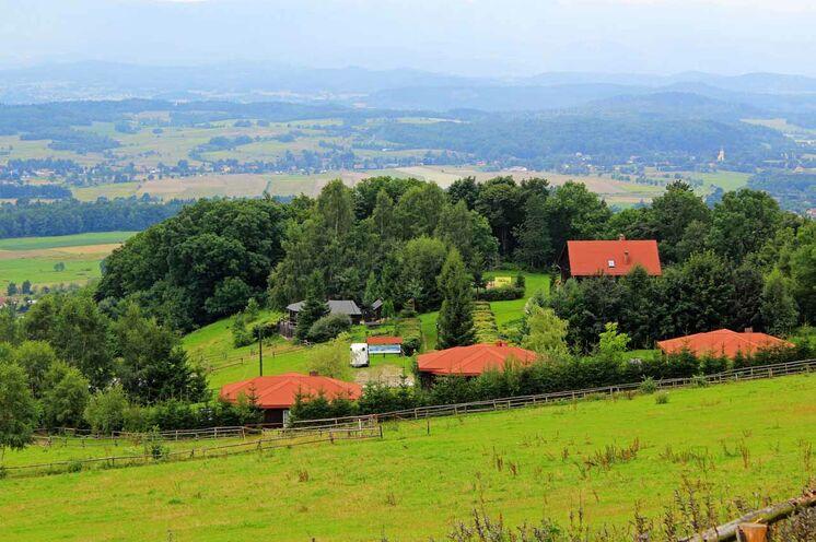 Blick auf das Gelände der Mufflonhütte und ins Hirschberberger Tal