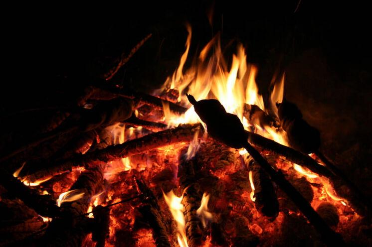 Abends können alle noch am Lagerfeuer beisammen sitzen...