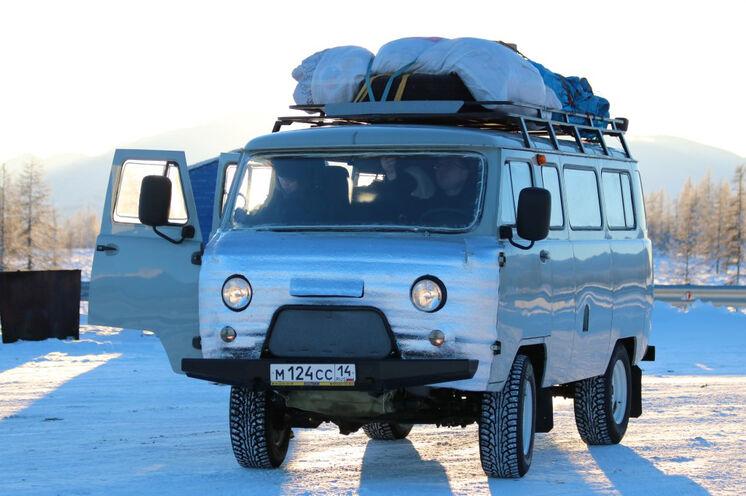 Der geländegängige, russische Kleinbus (UAZ) bringt Sie sicher nach Oimjakon und Tomtor