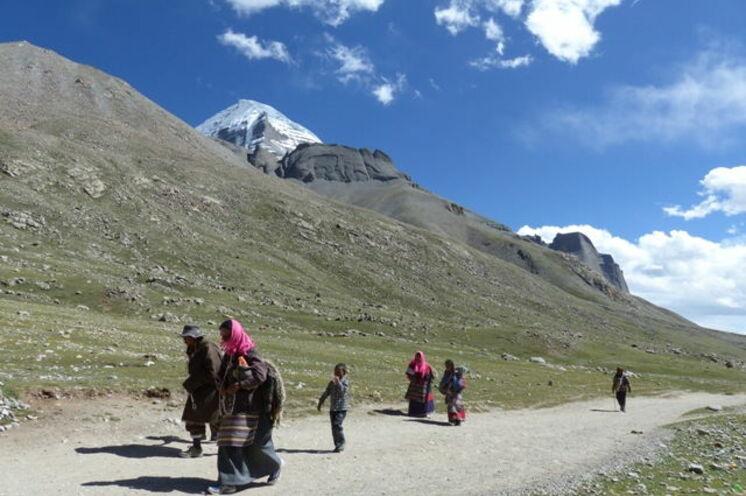 Reihen Sie sich an 3 Trekkingtagen in den Pilgerstrom um den heiligen Berg ein