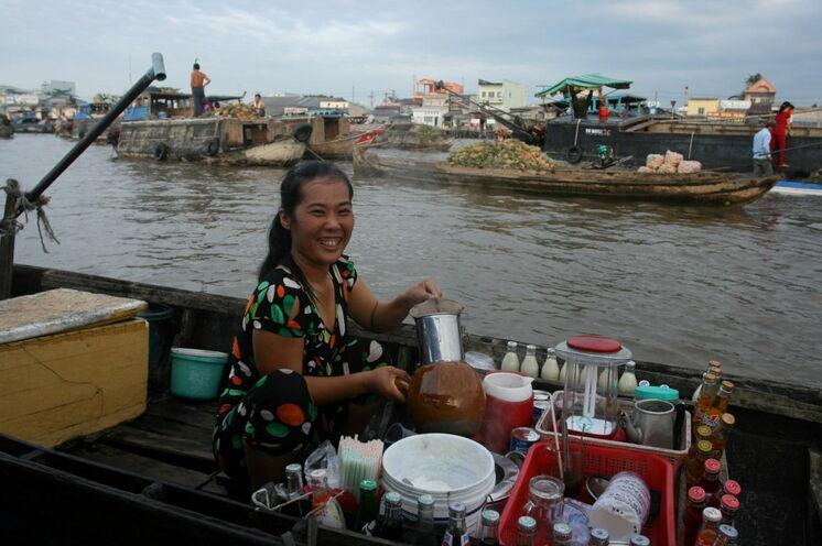 Sie sind unterwegs auf den schwimmenden Märkten im Mekongdelta