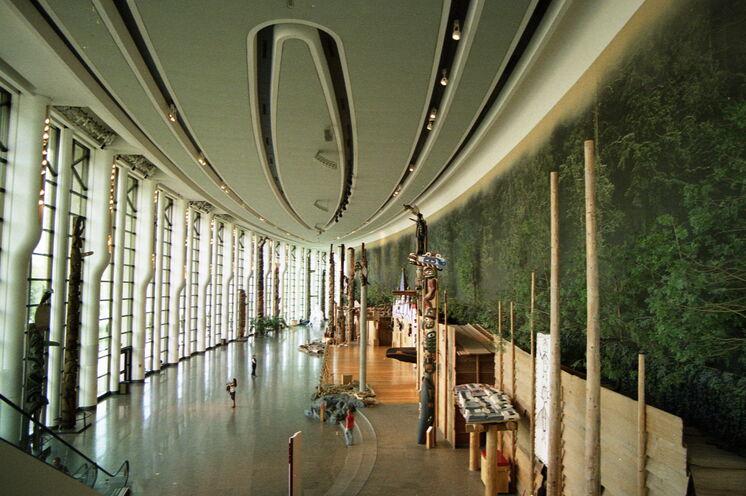 Und weiter geht es nach Gatineau: Der 120 m lange Eingangsbereich des Historischen Museums. Es ist das meistbesuchte Museum Kanadas