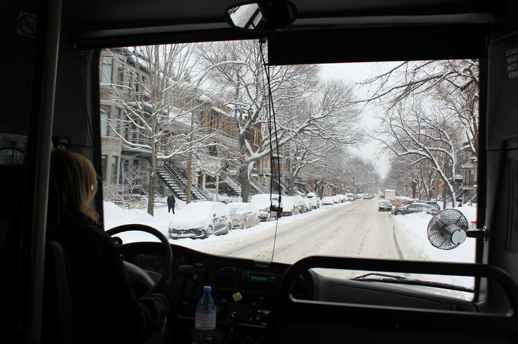 In der Gruppe lassen sich manche Dinge besser organisieren: mit eigenem Bus und deutschsprechenden Guide durch das winterliche Montreal