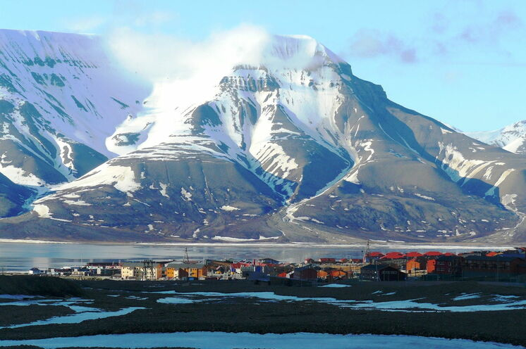 Ein Blick auf die Hauptstadt Longyearbyen