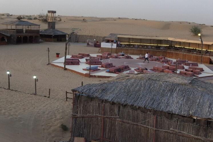 Beduinencamp inmitten der Wüste