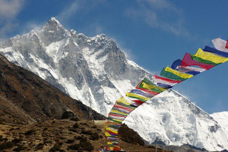 Der Lhotse (8520 m), vierthöchster Berg der Erde