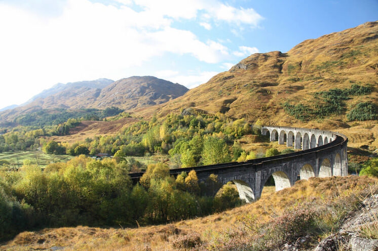 Während Ihrer Reise werden Sie auch eine Fahrt mit dem berühmten West Highland Railway erleben
