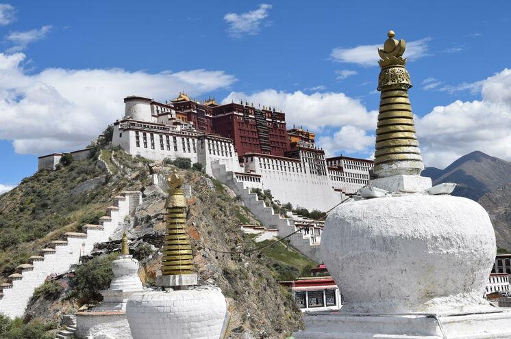 Der Potala Palast in Lhasa - Stadt der Götter